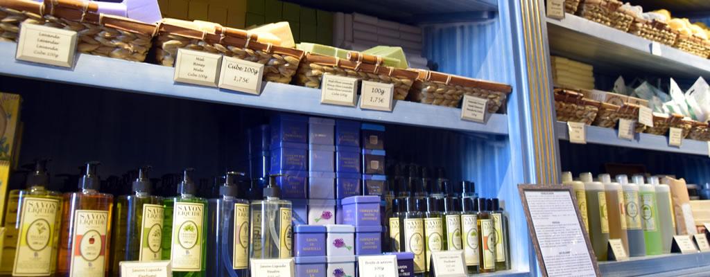 Savonnerie-de-la-licorne-boutique-du-musee-du-savon-marseille-veritable-savon-de-marseille-7