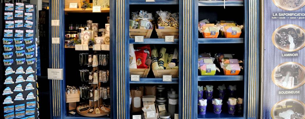 boutique-veritable-savon-de-marseille-mairie-vieux-port-savonnerie-la-licorne-1