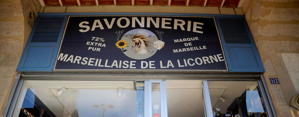 boutique-veritable-savon-de-marseille-mairie-vieux-port-savonnerie-la-licorne-5